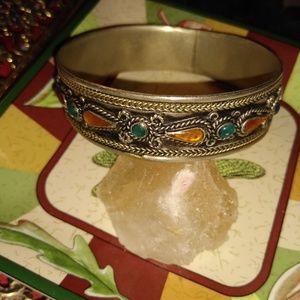 Vintage slip-on bracelet